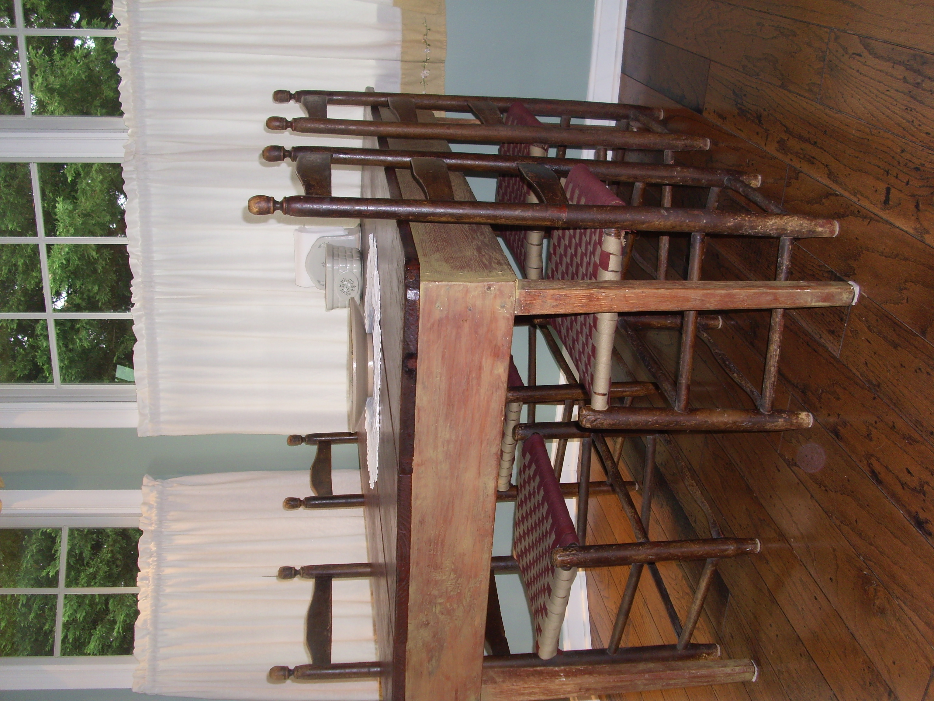 tablechairs3.JPG