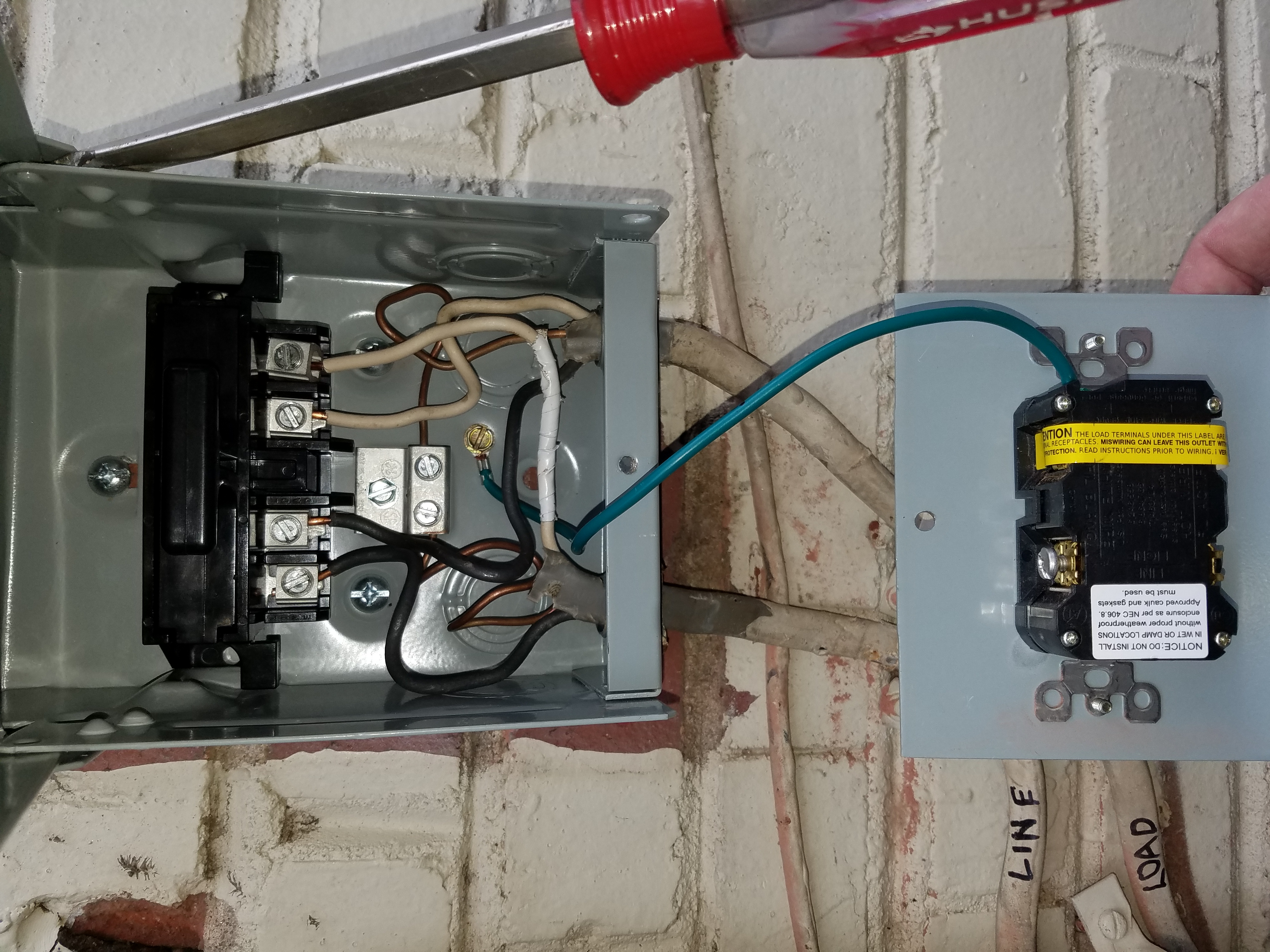 The Ac Guy Recommended Replacing Old Fused Shut Off With A Non Three Way Switch Miswired Gfci Pic