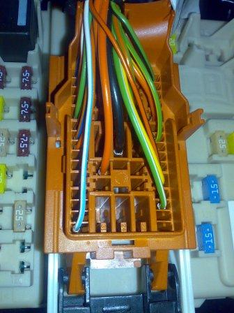 ford focus 2008 reverse wiring cable to add sensor. Black Bedroom Furniture Sets. Home Design Ideas