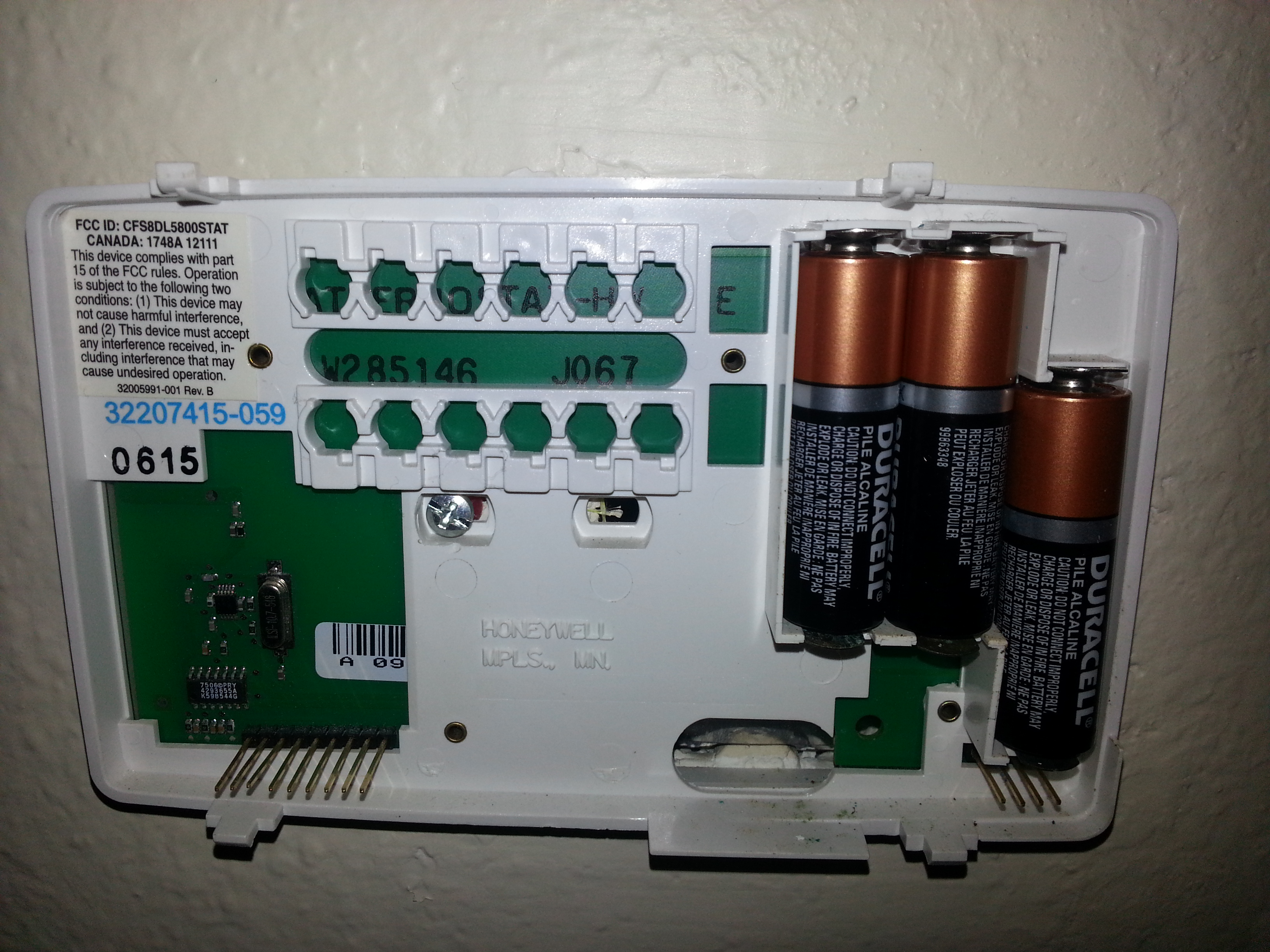 my honeywell thermostat chronotherm iv plus is not turning on my rh  justanswer com Honeywell Thermostat Installation Manual Honeywell  Chronotherm IV ...