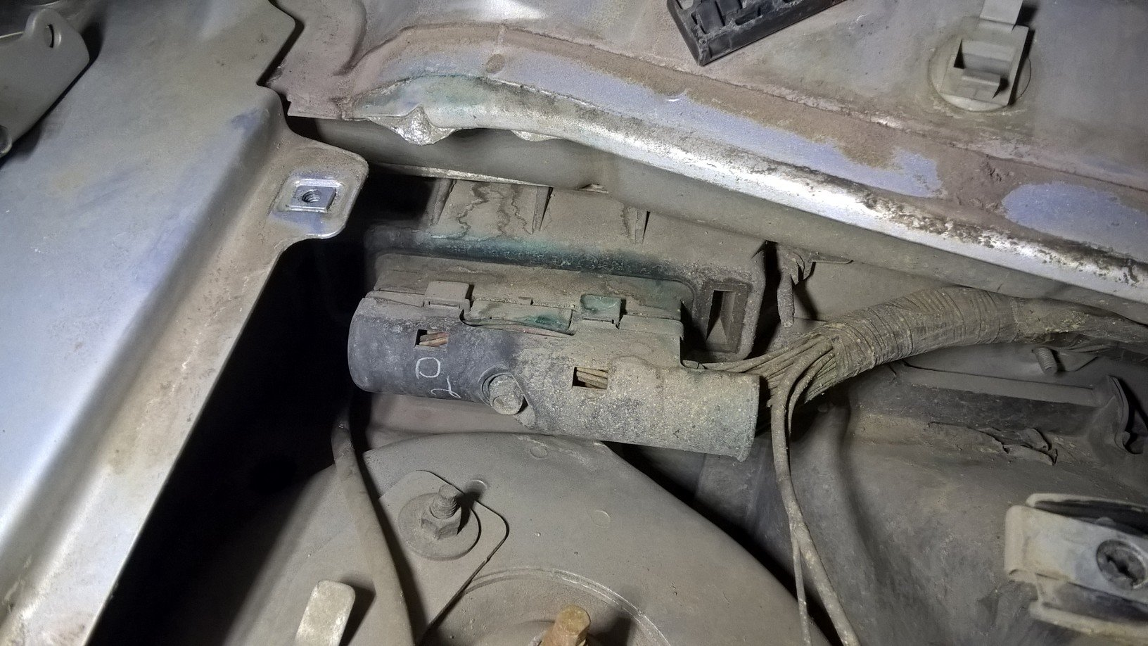 I have Ford Windstar 2002 which starts acting weird  ABS