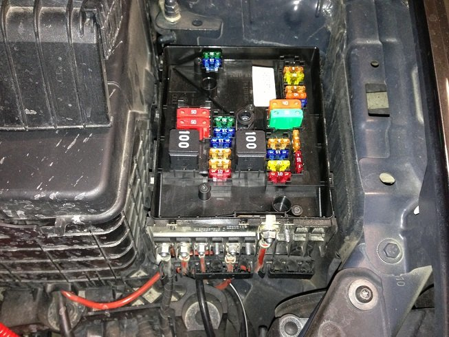 i need a fuse box diagram for vw golf tdi 2013 dash and engine