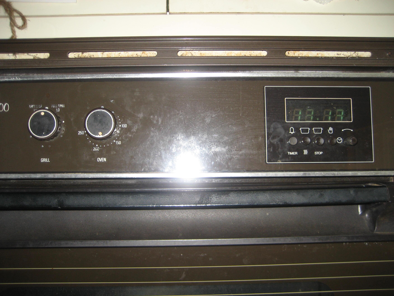fan forced oven. graphic fan forced oven