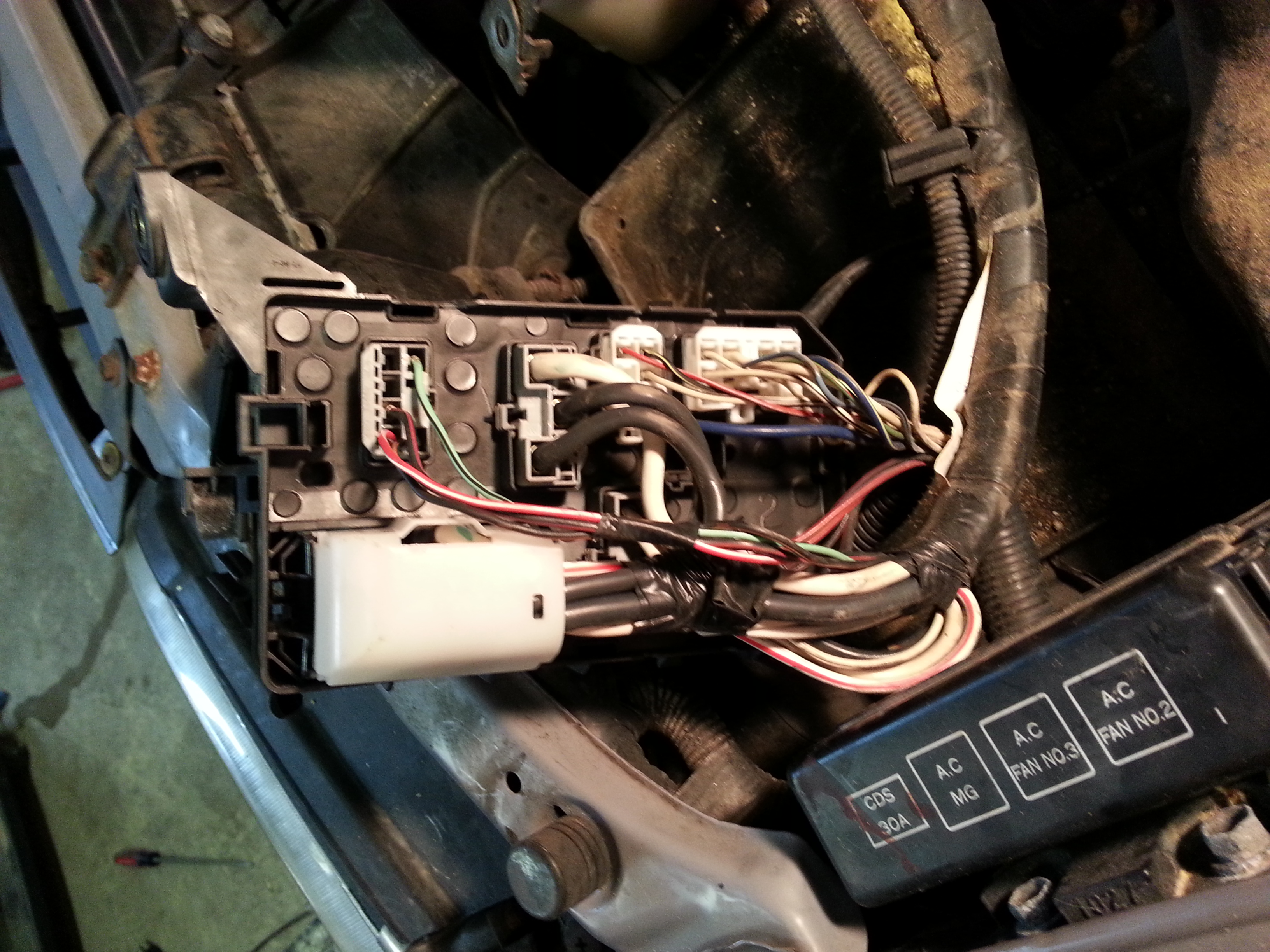 1995 Toyota Corolla With 18 No Spark 12 V To Coil Checked 95 Wiring Diagram Dlc We Tried But The Halves Dont Seem Want Come Apart Do Need Take Connectors Off Bottom That