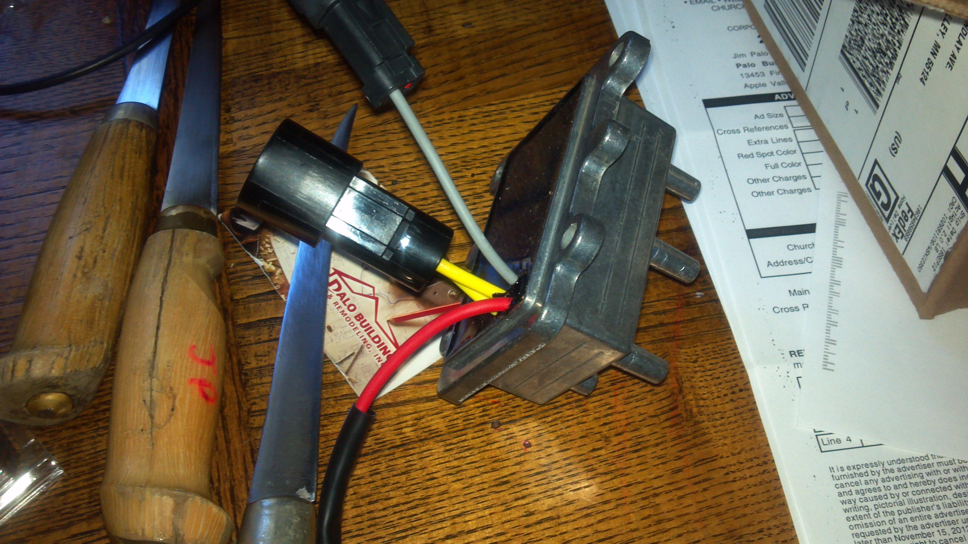 My 98 115 evinrude tach stopped working Replaced tach still