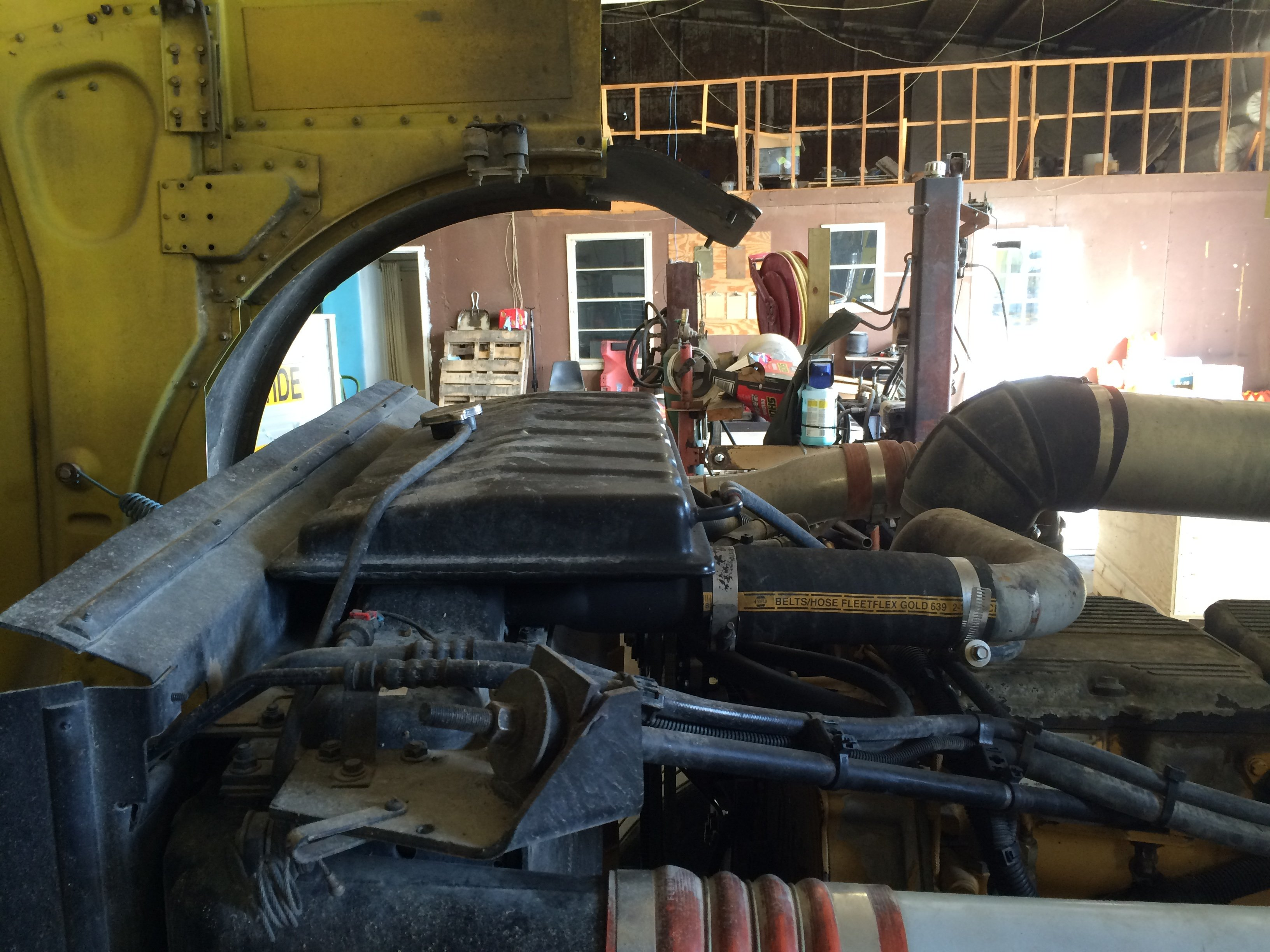 I have an 02 Peterbilt 379 with C15 cat engine fan clutch started