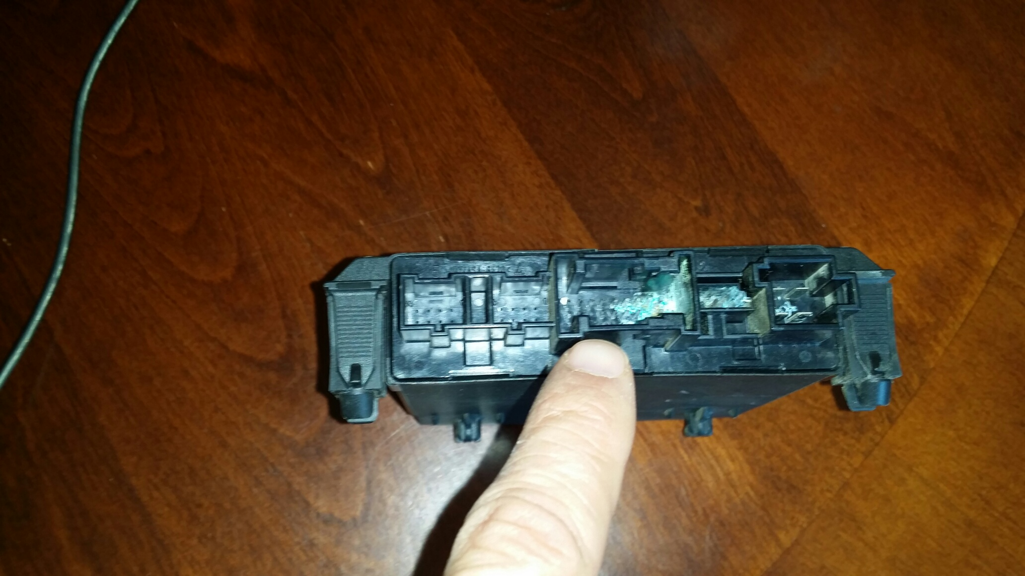 Car Fuse Box Got Wet : Fuse box diagram i just purchased this car and there are