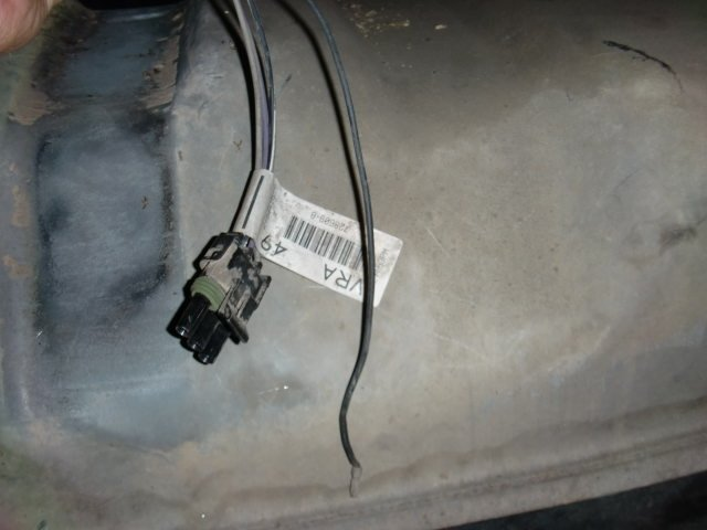 Im Installing A Fuel Pump On A Chevy 94 Silverado But Happen That Is A Darn Wire That I Don U0026 39 T