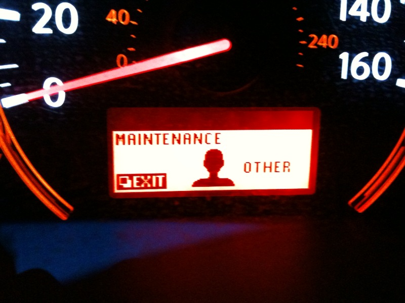 A orange warning light comes on when the 2007 Nissan Altima is crank