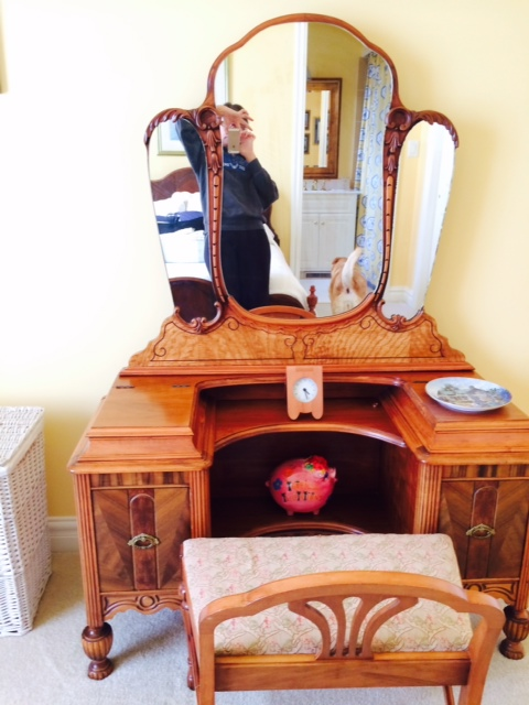 Antique Bedroom set-vanity.jpg