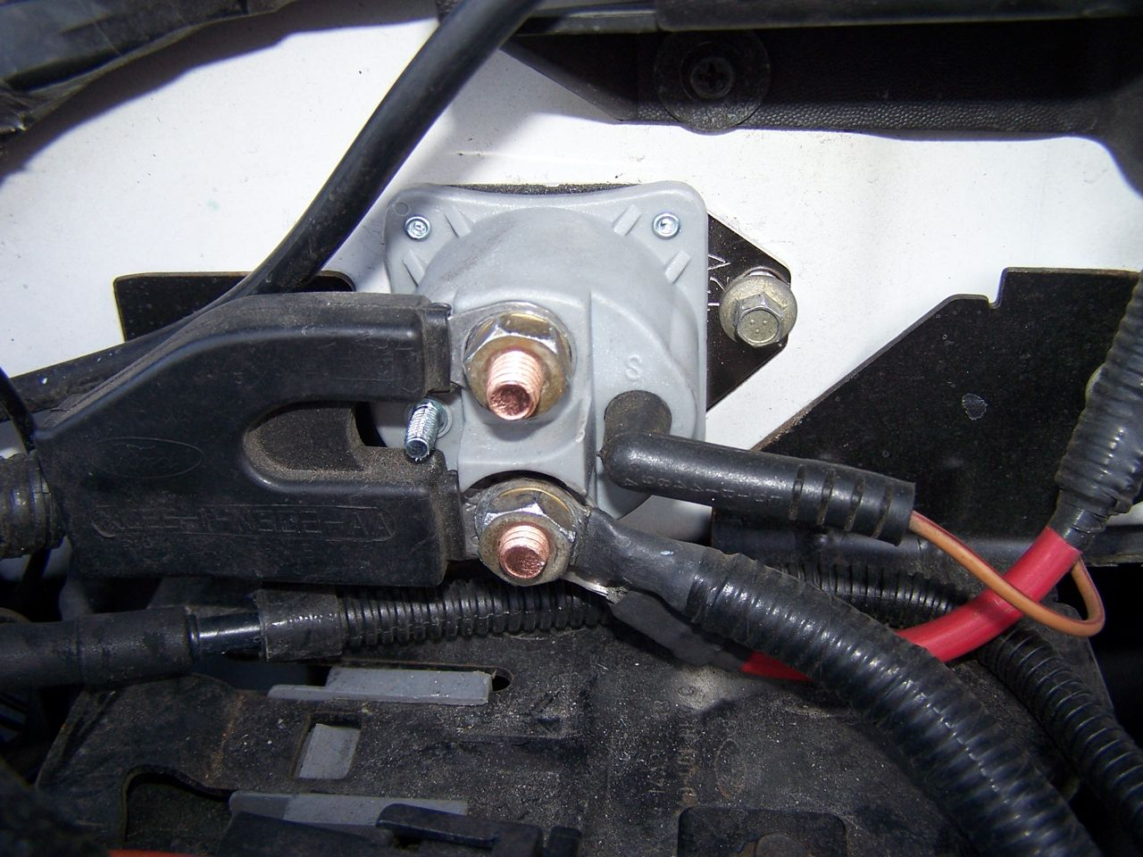 I am looking for a diagram on the wiring of a 2001 Ford ...