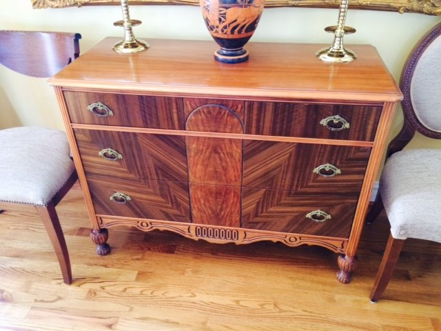 Antique Bedroom set-dresser1.jpg