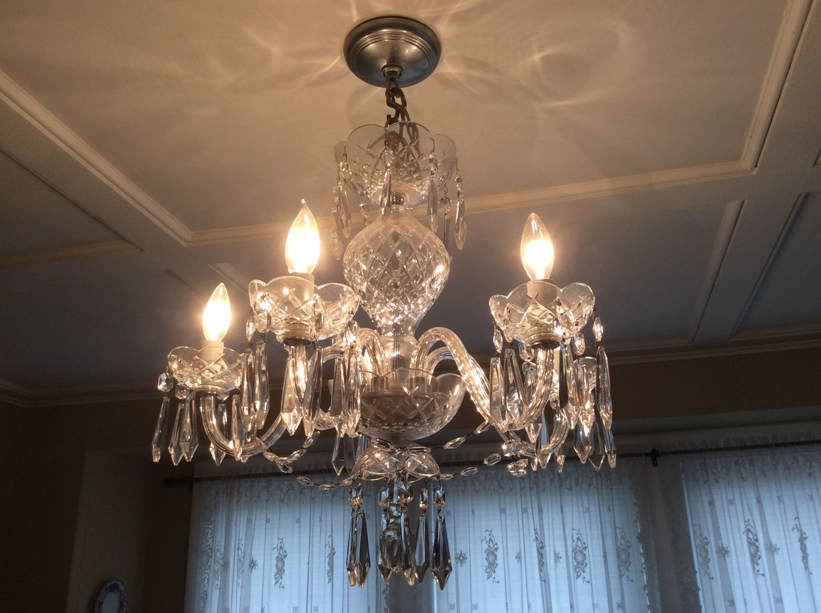 I was given an waterford crystal chandelier brought from ireland d5535cce 3376 4f0a 9534 e859f0c0909bs l1600g arubaitofo Image collections