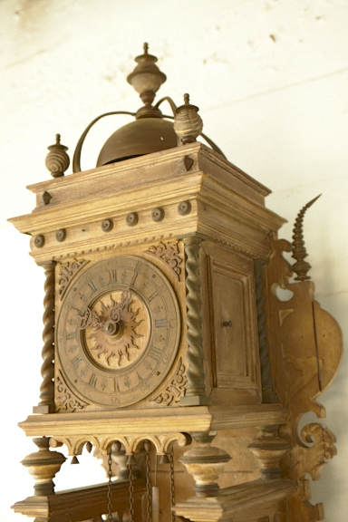 Banks And Biddle Grandfather Clock Appraisal Needed Looks Like A Piece Is Missing On Top Right Or Is It Designed This