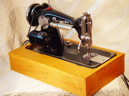 Need Information About An Antique Dressmaker Sewing Machine Best Dressmaker Special Sewing Machine