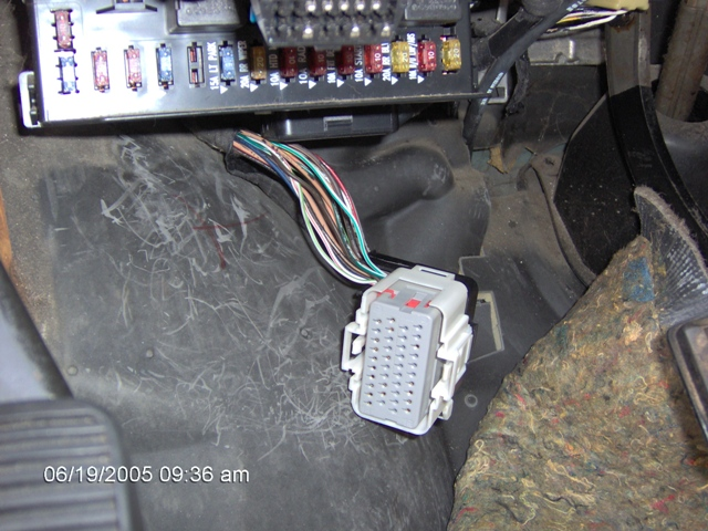 2000_DODGE_CARAVAN_BCM_PLUG_1 2000 dodge caravan fuse box dodge wiring diagrams for diy car 2009 dodge grand caravan fuse box location at pacquiaovsvargaslive.co