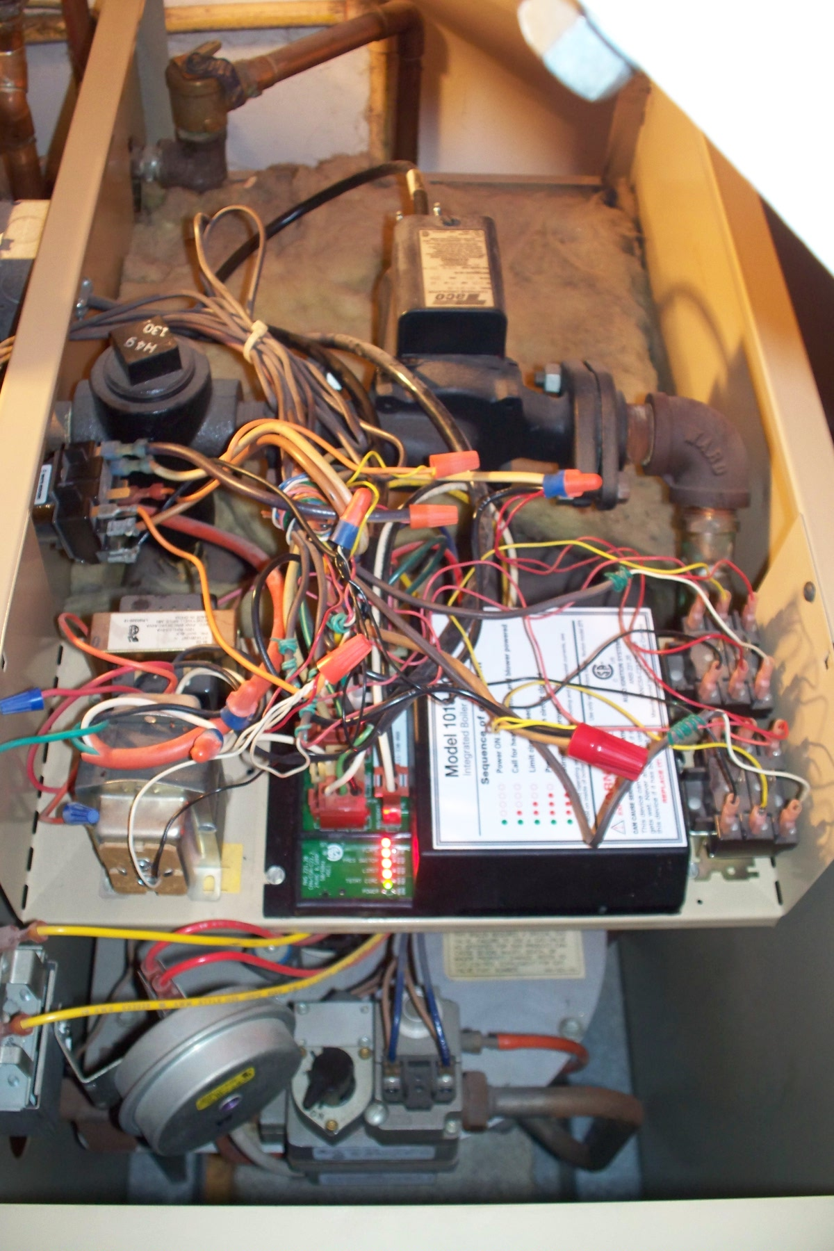 I Have A Weil Mclain Gv 5 Series 2 Boiler With An Amtrol Boilermate Schematic Diagram Is There Relatively Easy Way Of Testing For Faulty Relay Using The Voltmeter