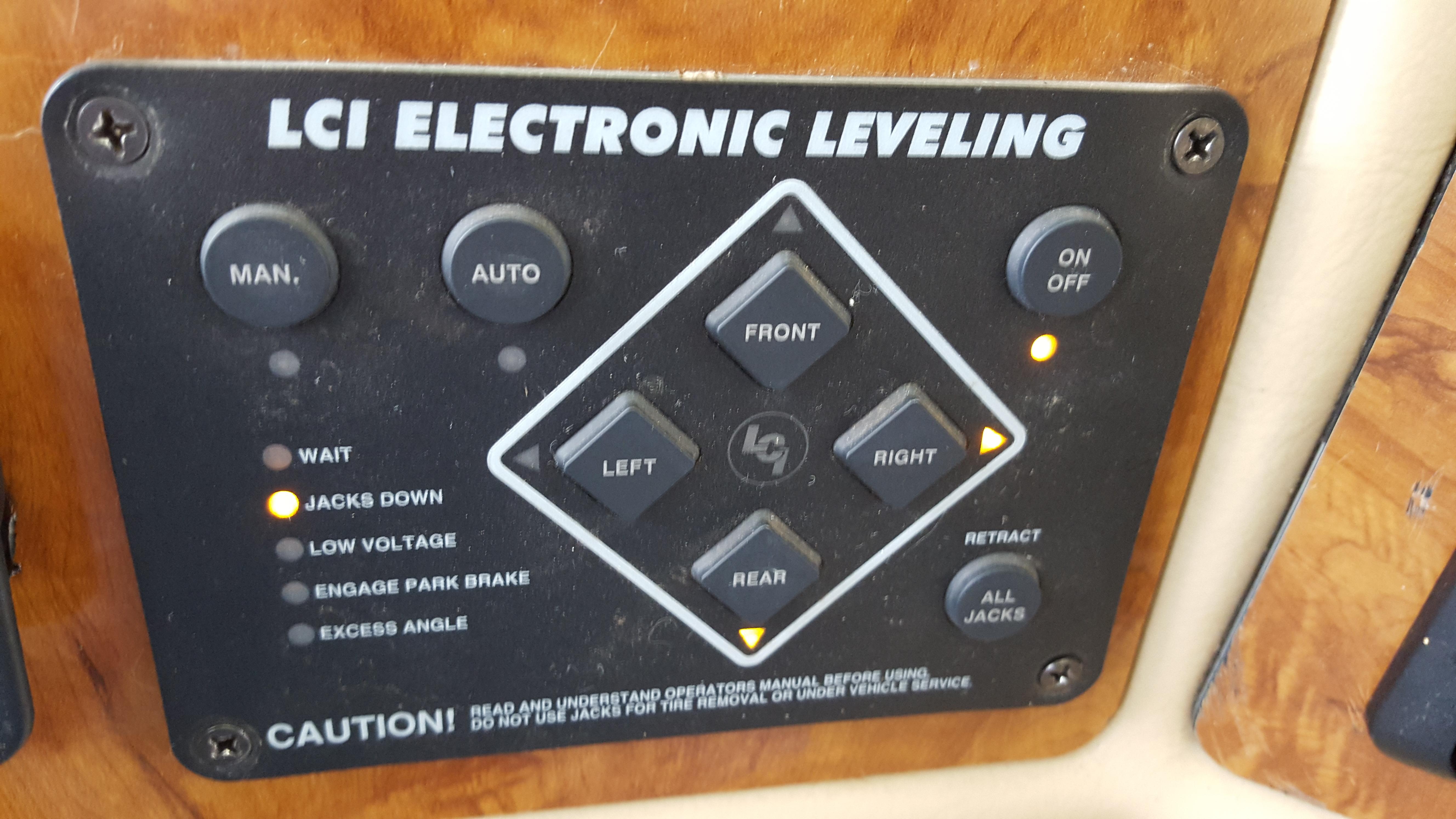 I own a 2006 Damon Daybreak model 3274  On the leveling