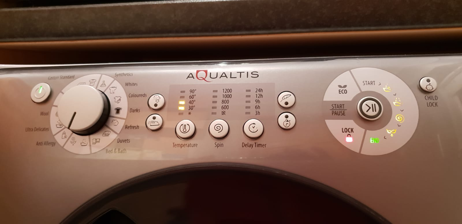 I have a Hotpoint Aqualtic washing machine  It stops at the