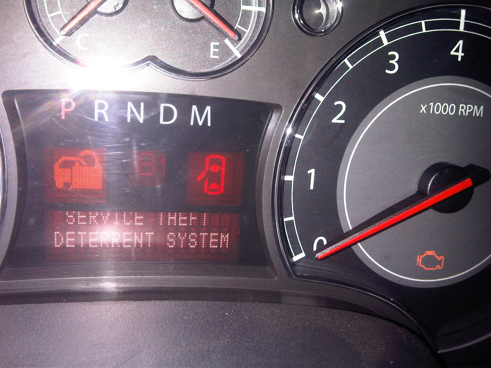 2007 Suzuki XL-7, theft deterrent light is on, the instrument panel ...
