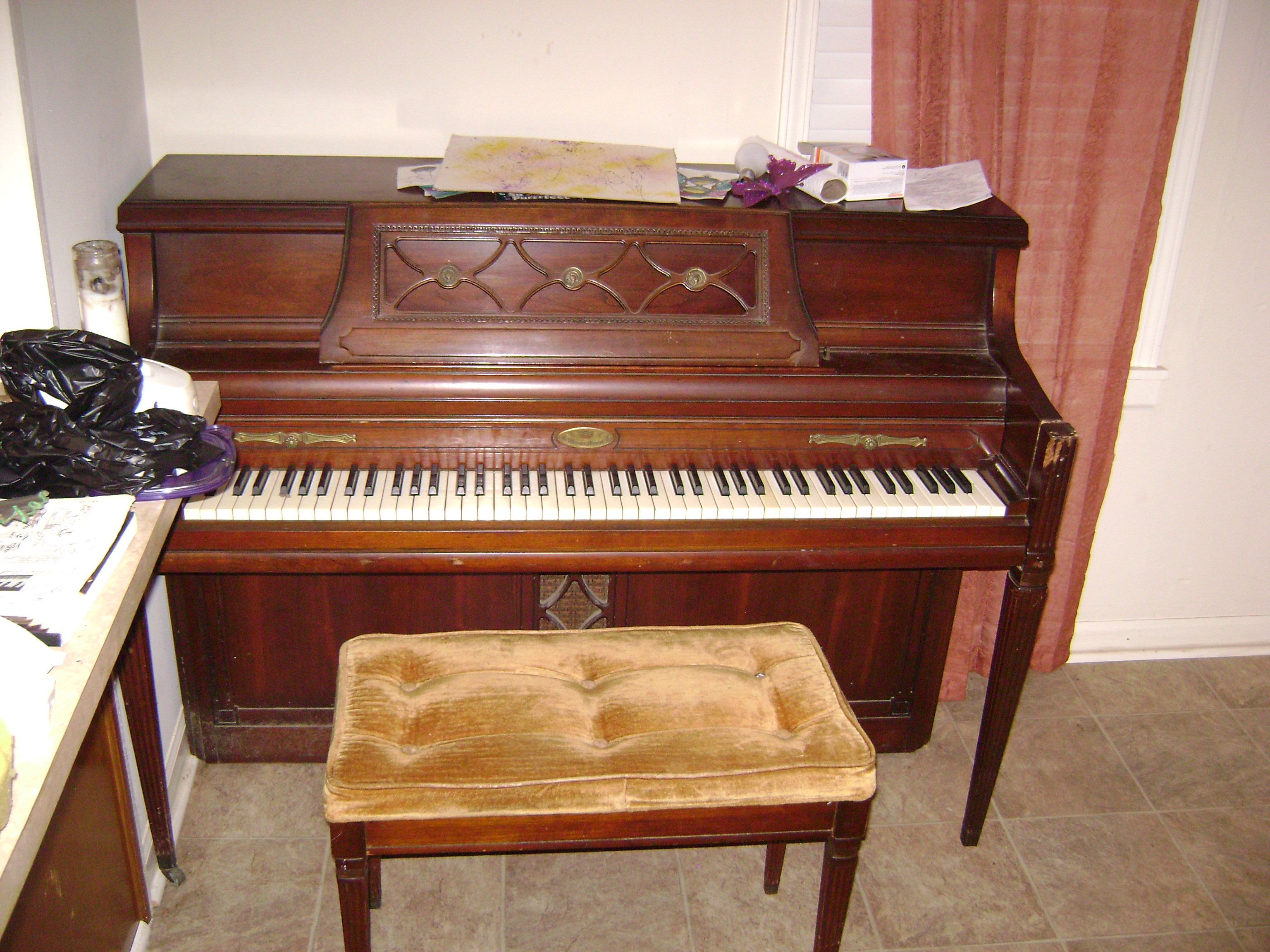 i have a wurlitzer model 2860 serial numberthat was left behind in a rental house where the. Black Bedroom Furniture Sets. Home Design Ideas