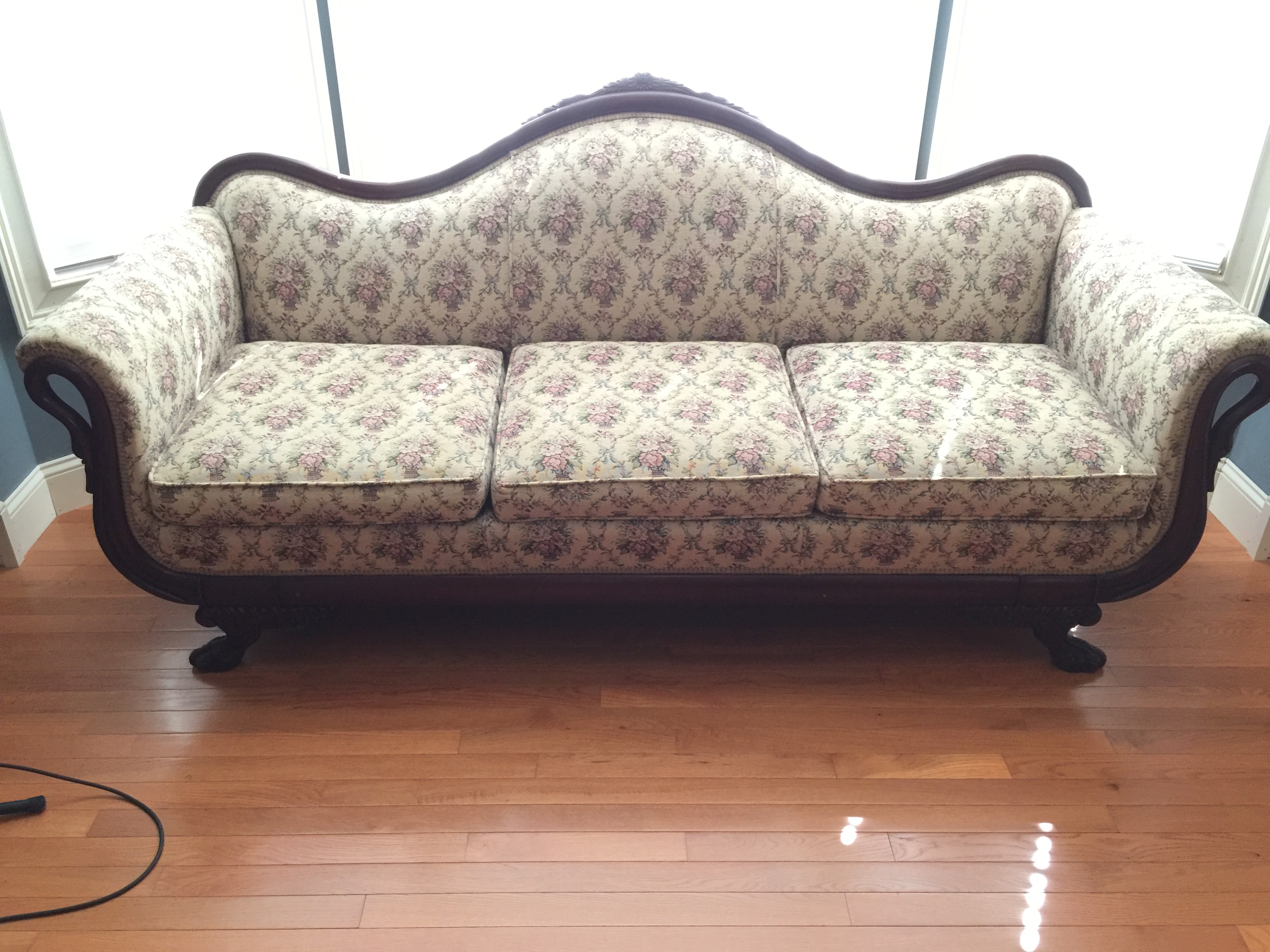 my uncle left my mom a duncan phyfe sofa how can we tell if it s an rh justanswer com