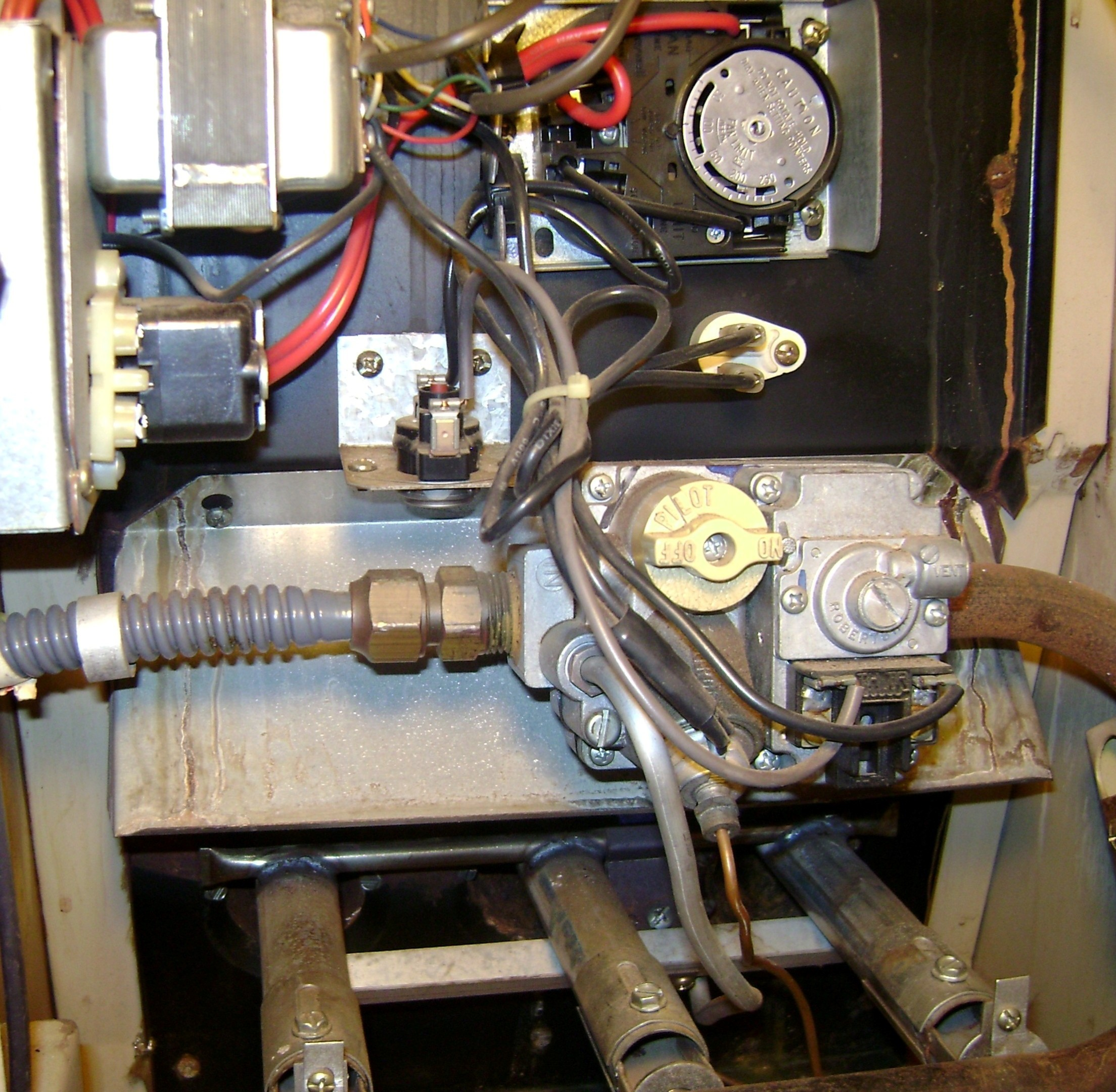 I Have An Older Ruud Gas Furnace Pilot Light Type Is Thermostat Are Connected To At The Furnacehere A Typical Wiring Graphic