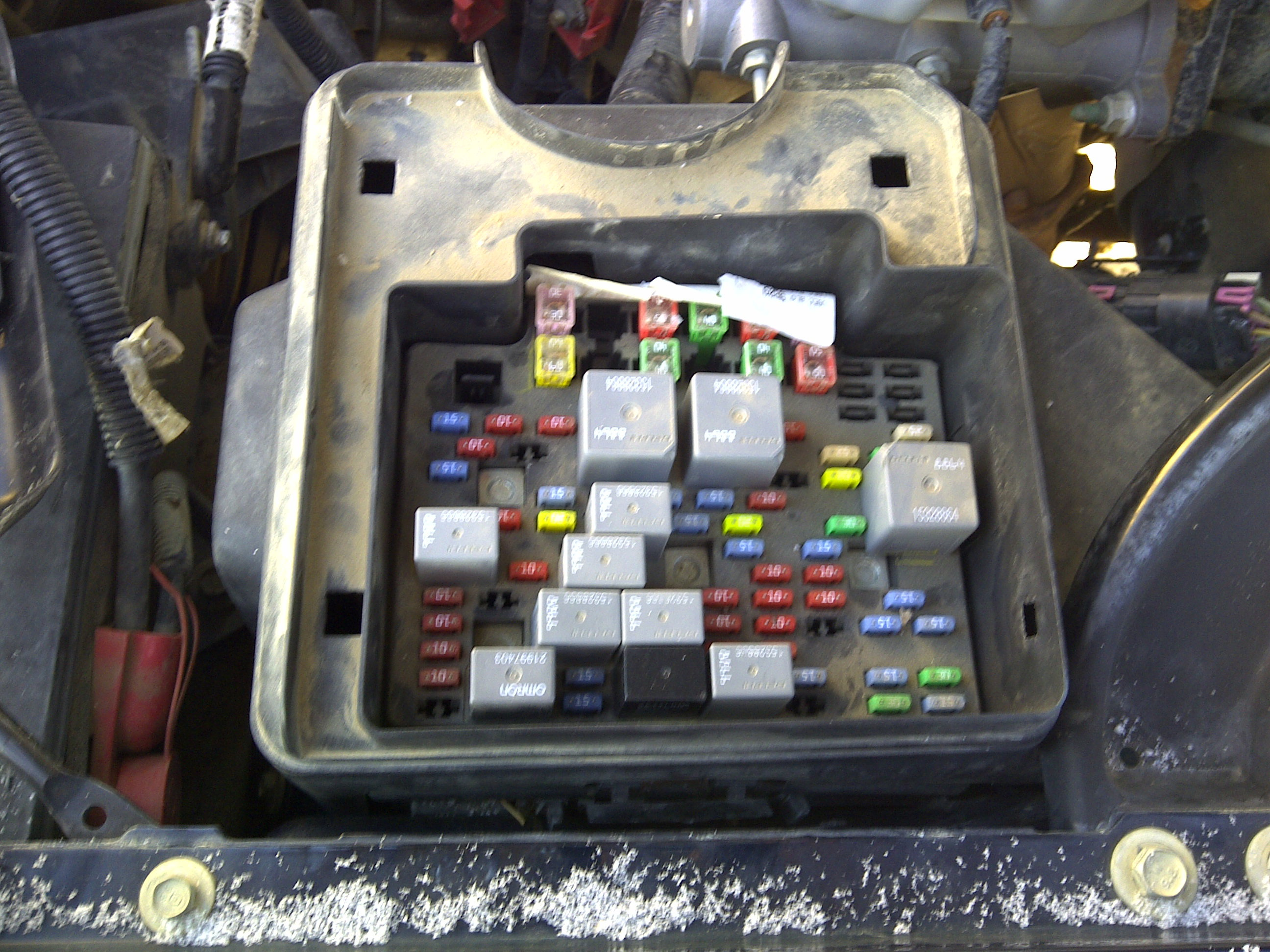 Hqdefault moreover Maxresdefault moreover Cadillac Srx Fuse Box Engine  partment as well Maxresdefault as well Fuse Interior Part. on gmc sierra fuse box diagram